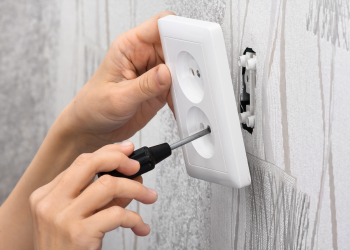 5 Cost-Effective Ways Investors Replace Electrical, Wires, and Fixtures
